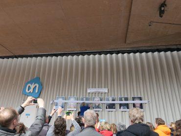 Foto's opening buitenexpo Gelukkig Zaans bij AH Koog aan de Zaan